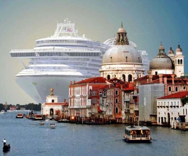 Venice Mayor asks for Venice to be blacklisted!
