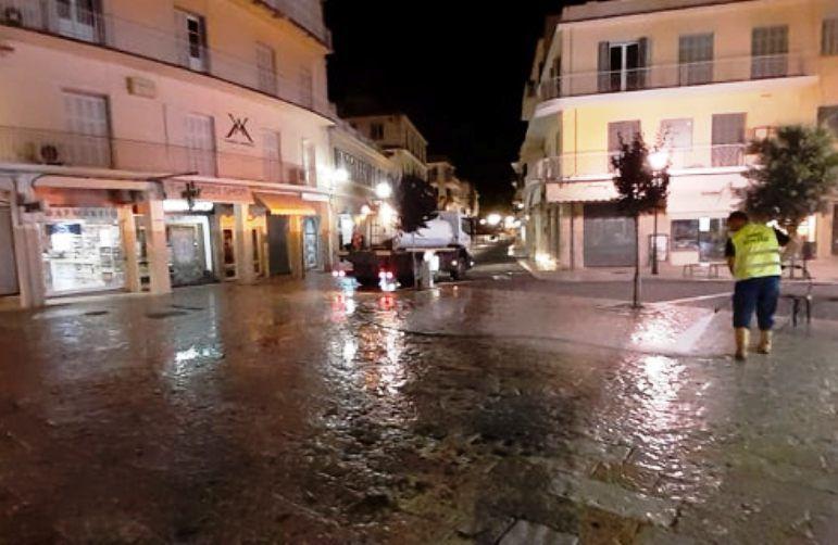 Πλύσιμο & απολύμανση κοινόχρηστων χώρων στην Κέρκυρα (photos)