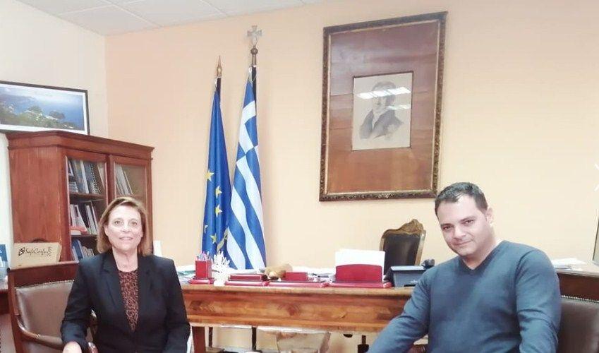 Πρόεδρος και Μέλη του Π.Σ. Αφρας και του Δημοτικού Σχολείου επισκέφτηκαν την αντιπεριφερειάρχη, Μελίτα Ανδριώτη