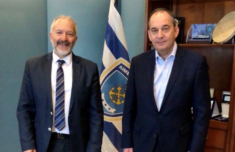 Σύμφωνος και ο Πλακιωτάκης για τα MegaYacht στο λιμάνι της Κέρκυρας