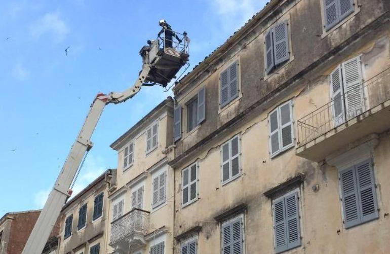 Καταγραφή επικίνδυνων σκεπών στο Ιστορικό Κέντρο από την Πυροσβεστική & την Πολιτική Προστασία