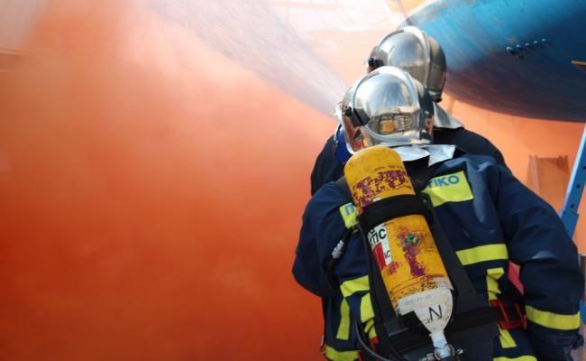 Υλικές ζημιές από πυρκαγιά σε κουζίνα εστιατορίου στους Περουλάδες