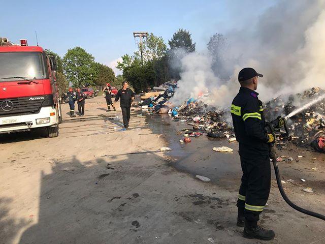 ΤΕΕ:  Μην καίτε τα σκουπίδια, όλοι μας καταναλώνουμε διοξίνες!