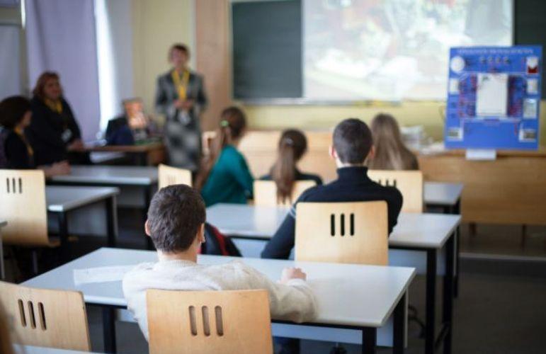 Να κλείσει το σχολείο αν δεν έρθουν καθαρίστριες, ζητούν οι γονείς του 6ου Δημοτικού Κέρκυρας