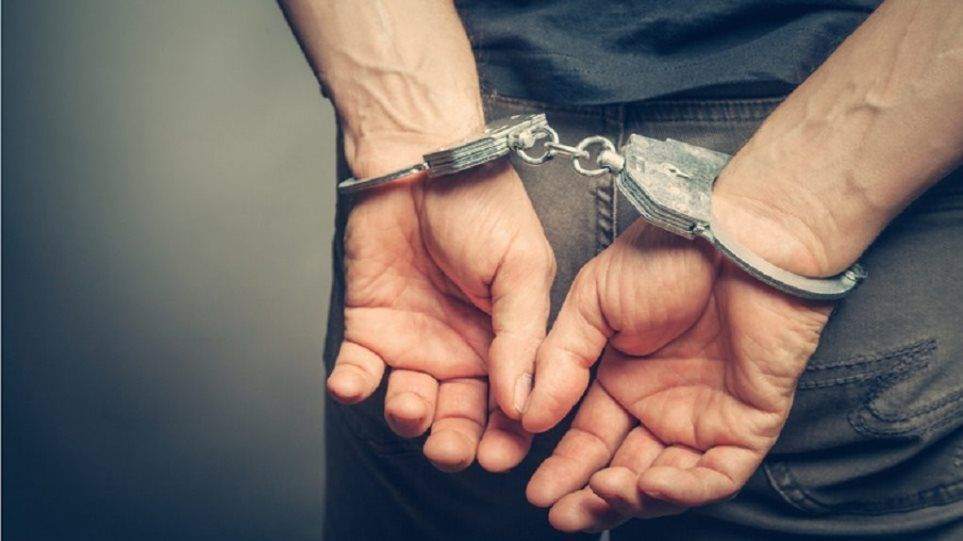 Χειροπέδες σε 21χρονο με 5 κιλά κάνναβη στην Κέρκυρα